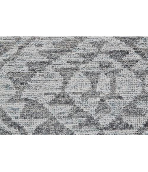 Feizy NIZHONI 6318F IN GRAPHITE 2' x 3' Sample Area Rug